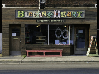 Image of the Bleeding Heart Bakery facade sign in Lakeview Chicago,IL